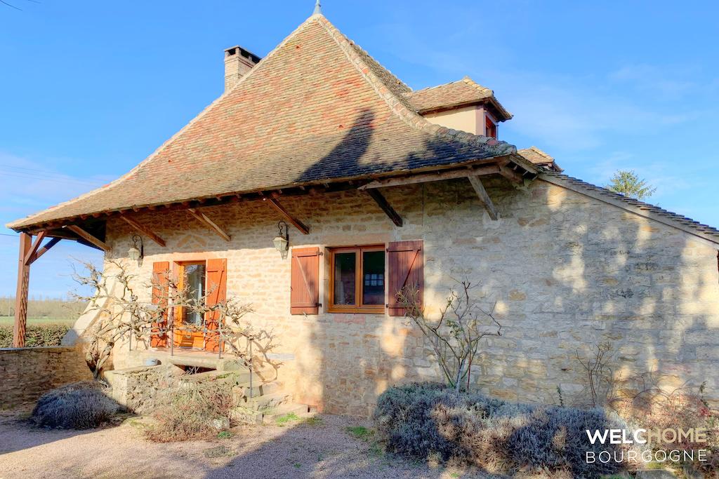 451 – Maison en pierre sur 2 Ha